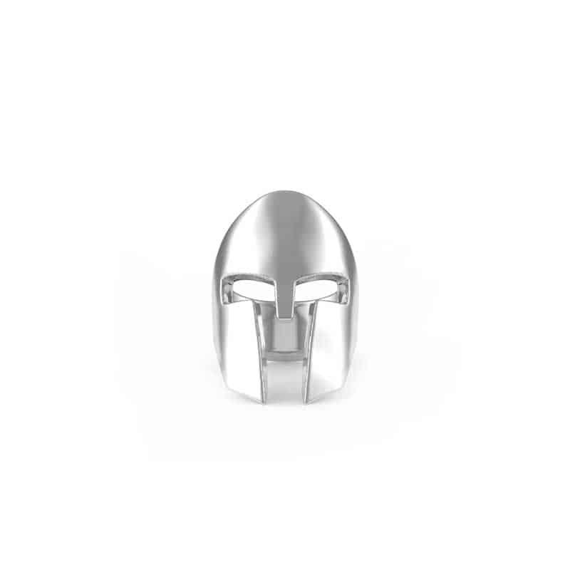 Anello Elmo Spartano in argento 925 in vista frontale su sfondo bianco