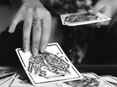 Rib Cage Ring in Silver 925 with tarot cards - Feel No Pain