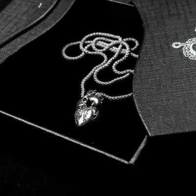 Pendente Cuore Anatomico in Argento 925 in scatolina nera Feel No Pain 925 Jewels