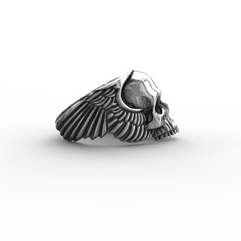 Anello Teschio Ali Angelo in Argento 925 Sfondo Bianco Laterale - Feel No Pain