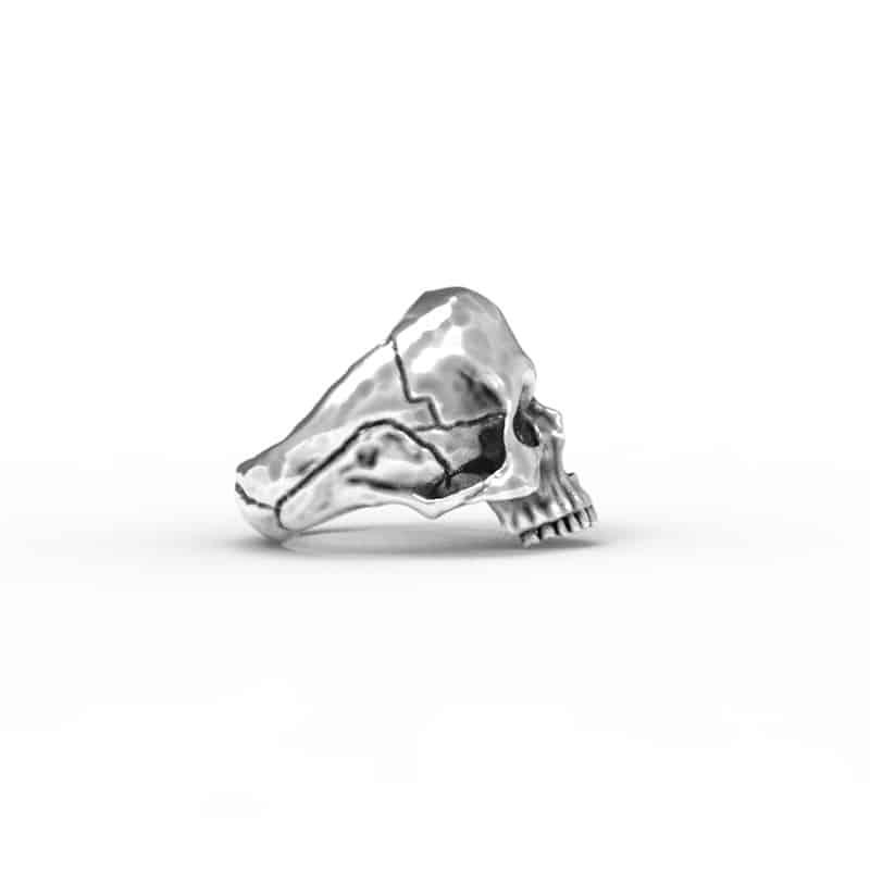 Anello Teschio Anatomico in Argento 925 Sfondo Bianco Vista Laterale- Feel No Pain