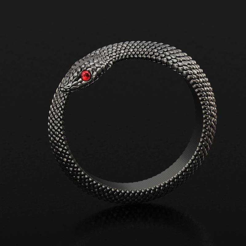 Anello serpente in argento con pietra rossa negli occhi realizzato con render in vista laterale